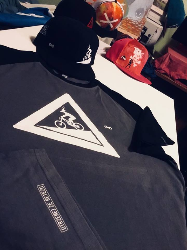 Tričko&kšiltovka UZU combo black-grey T-shirt&snapback