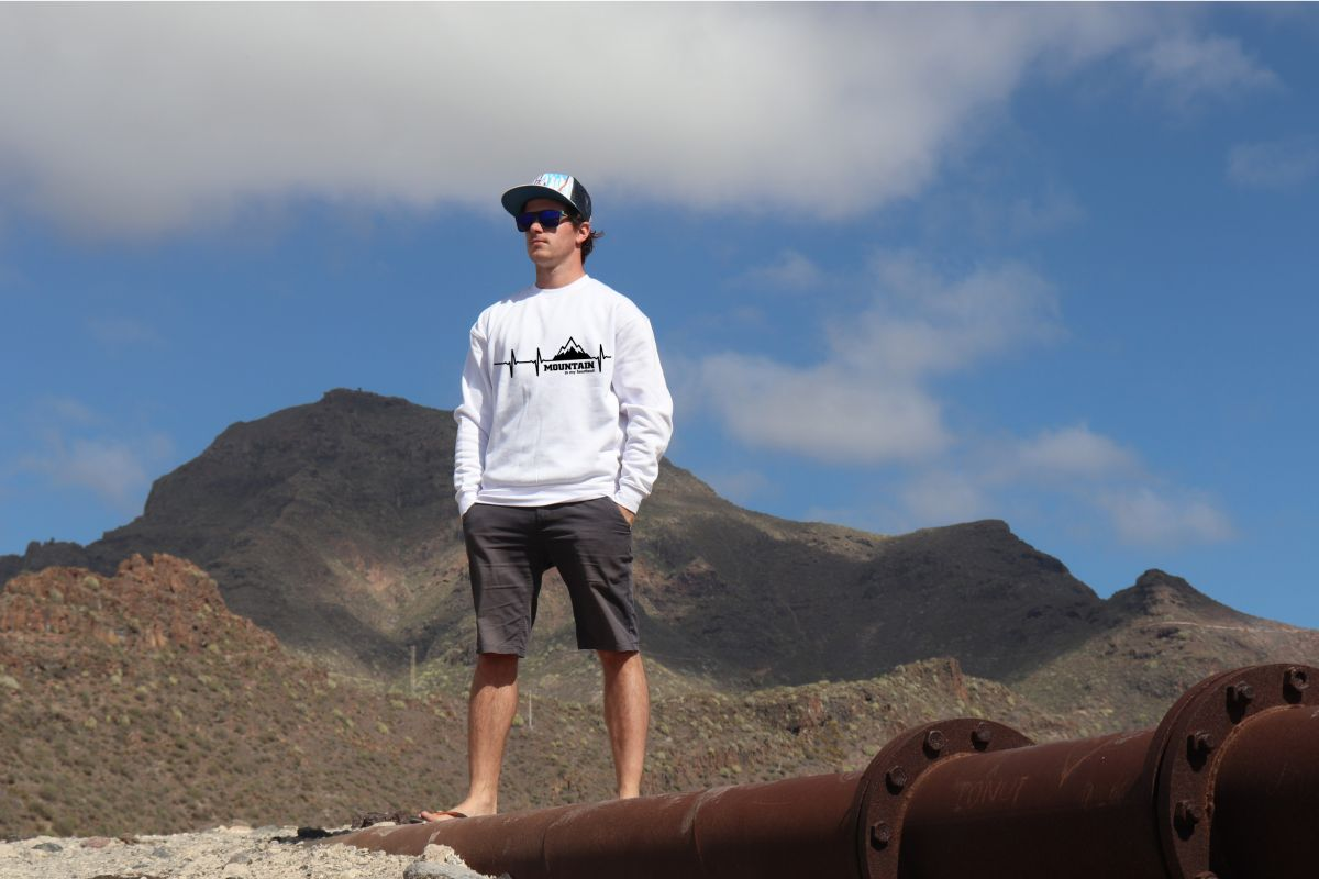 mikina Mountain is my heartbeat unisex white hoodie