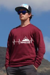 mikina Mountain is my heartbeat unisex burgundy hoodie